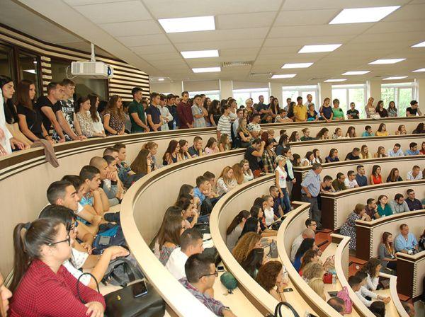 Започва приема на студенти, платено обучение в МУ-София