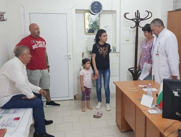 Специалисти от Пирогов прегледаха над 350 деца от Хасково