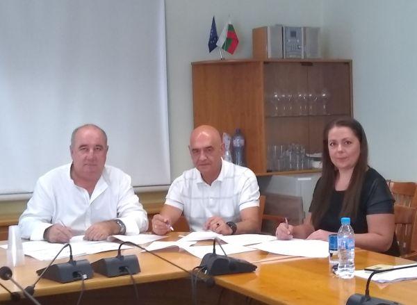 Синдикатите и НЗОК подписа КТД 2019