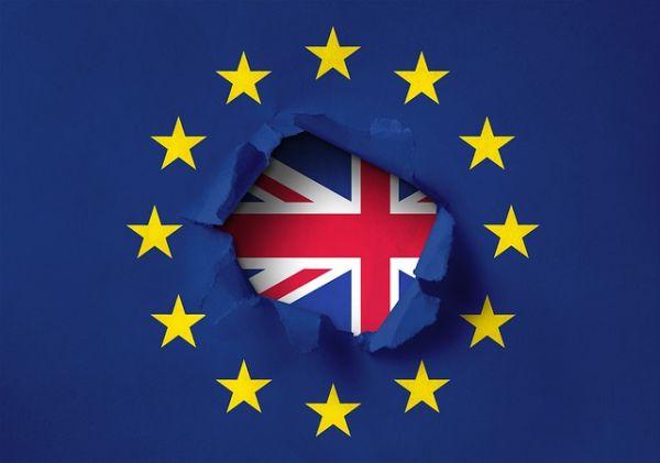 При Брекзит без сделка гражданите на ЕС ще плащат за здравни услуги във Великобритания