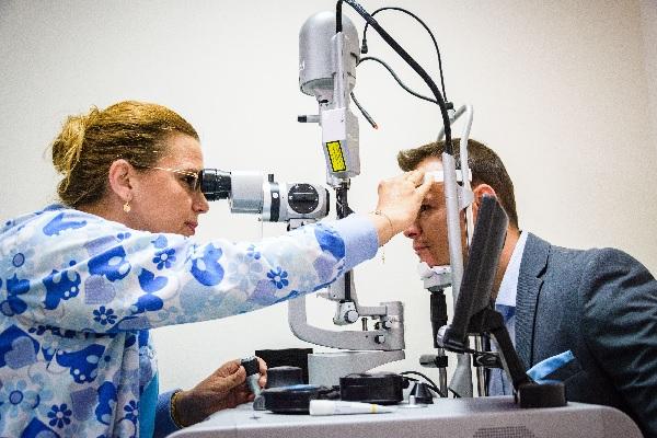 Нова апаратура и по-добри условия за работа в Очна болница след поемането й от МУ-Варна