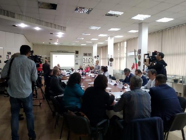 Image result for Кръгла маса за повишаване на информираността на обществото за сърдечния арест