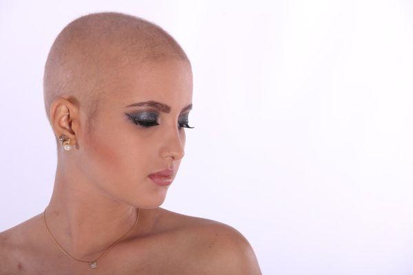 """В УМБАЛ """"Св. Иван Рилски"""" въведоха система за запазване на косата при химиотерапия"""