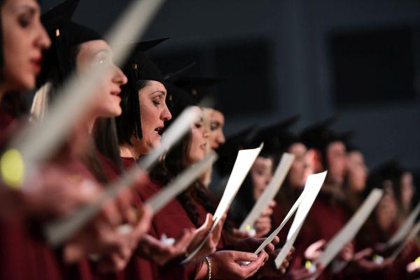 Дипломира се първият випуск сестри и акушерки във филиала на МУ-Варна в Шумен