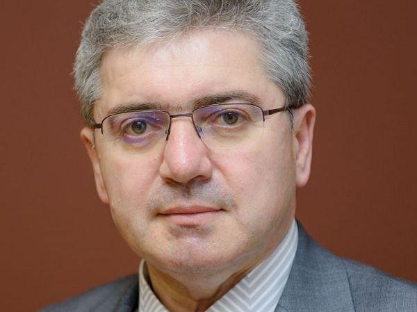 Наградиха ректора на МУ-Варна за принос към пулмологичната общност