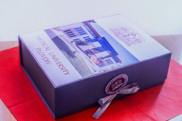 Историята на МУ-Пловдив е представена в библиотеката на Ватикана