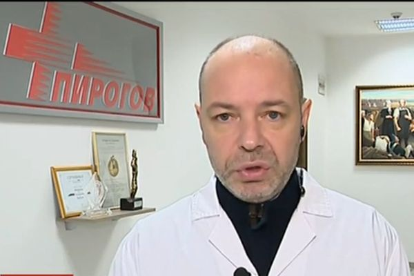 Проф. Габровски: Има информация за запалена цигара във взривената стая в