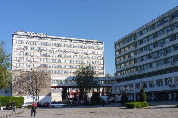 Пиян мъж вилня в бургаската болница с пистолет в ръка
