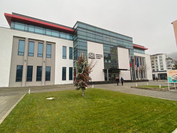 За първи път в България: Курс за поставяне на раменната става в МУ-Пловдив