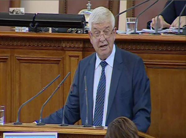 Министър Ананиев: Опасните медицински отпадъци в областите Варна и Русе се съхраняват правилно