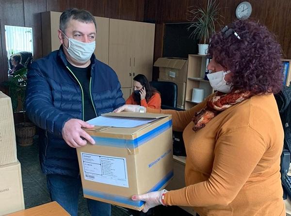 Четвърта МБАЛ-София получи защитни средства от кампанията