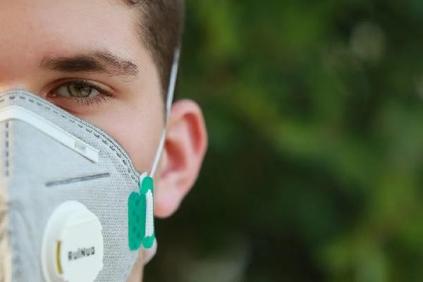 БОВЛ дари на фармацевтите 10 000 маски за многократна употреба с високо ниво на защита