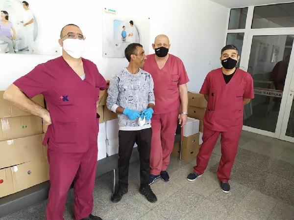 370 пакета с хранителни продукти са раздадени на медици и близките им под карантина