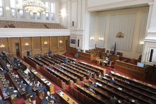Изслушването на Борисов в парламента за ситуацията с коронавируса се провали