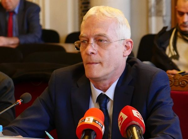 Проф. Салчев: Над 60% от инфекциозните легла са свободни в момента