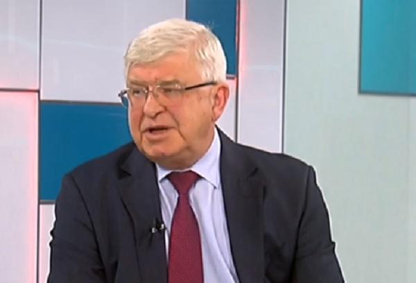 Министър Ананиев: Бонусът от 1000 лв. за хората на първа линия остава до края на епидемичната обстановка