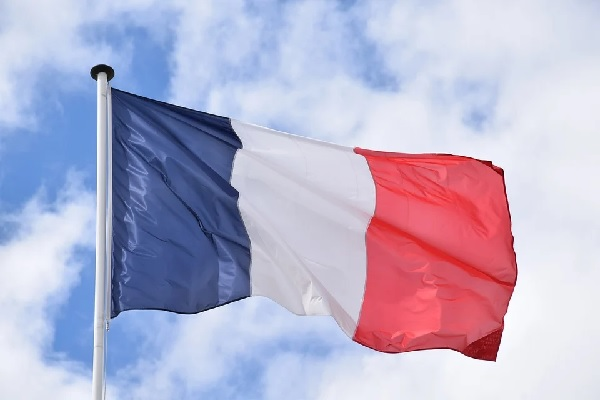 Вълна от протести на медици залива Франция