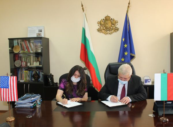 Ананиев и Херо Мустафа подписаха споразумение за сътрудничество