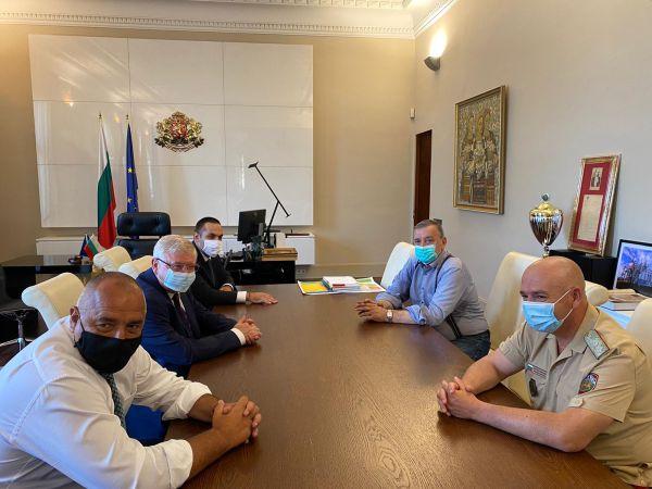 Борисов: Засилваме готовността на болниците за лечение на българите с коронавирус