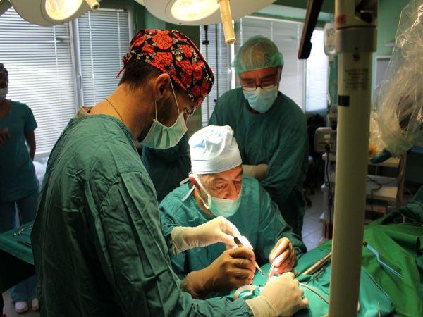 В Бургас направиха първата кохлеарна имплантация