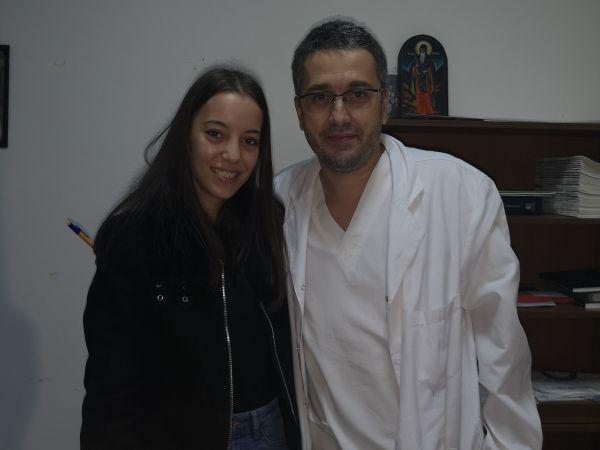 """Майка на излекувано от мозъчен тумор дете направи дарение за Клиниката по неврохирургия на УМБАЛ """"Св. Иван Рилски"""""""