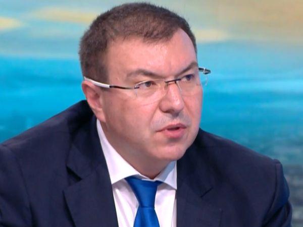 Проф. Ангелов: Не МЗ, а директорите решават кой ще получава по 1000 лв.