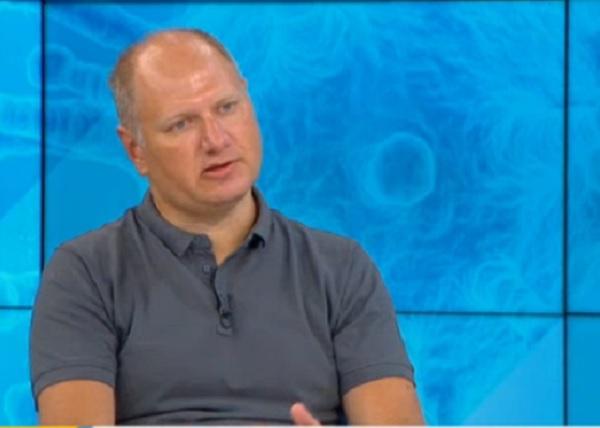 Доц. Шиваров: Спорно е доколко живата ваксина развива траен имунитет