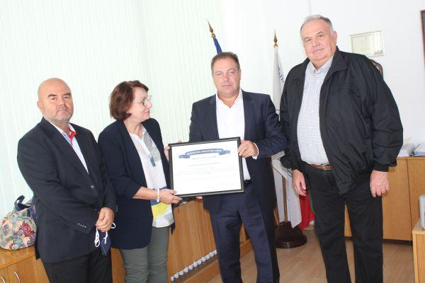 5000 лв. за семействата на починали от COVID-19 медици дари Дружеството по офталмология