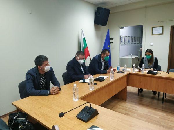 Министърът: Национален логистичен център за COVID-19 ще заработи от другата седмица