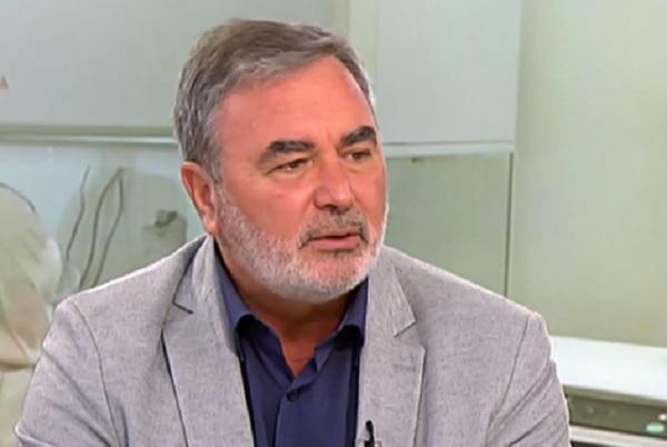 Доц. Кунчев: Трябва да бъде ограничено събирането на хора