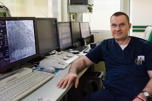 Доц. Добрин Василев: Епидемията ще се овладее с пълен локдаун за месец