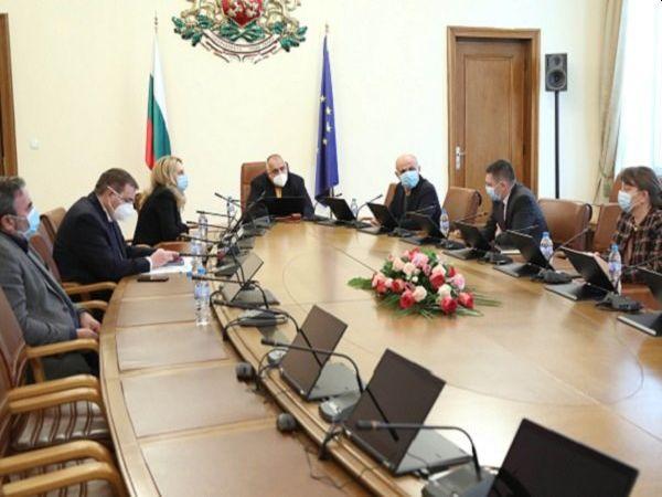 Борисов: Не искам да чувам, че има проблеми със заплащането на медиците, с лекарствата и предпазните облекла