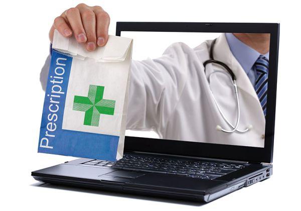 Д. Маринов: Засега електронните рецепти ще съществуват заедно с хартиените