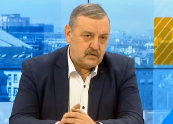 Проф. Кантарджиев: Ваксините работят и срещу новия щам на вируса