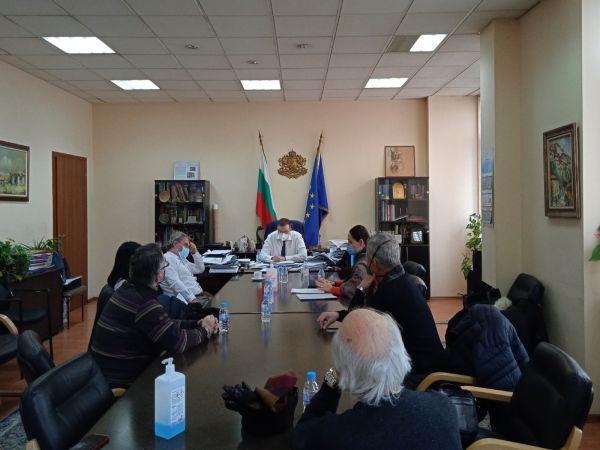Министър Ангелов към СОЛИ: Парадокс е, че аз воювам с вас за вашето здраве