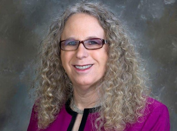 Транссексуална педиатърка ще бори COVID в САЩ
