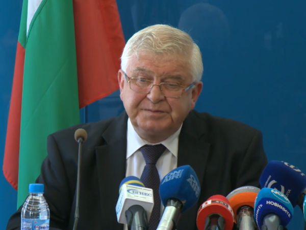 Министър Ананиев е с положителен тест за COVID-19