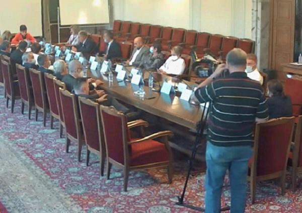 Министърът да контролира изпълнението на бюджета за лекарства на НЗОК