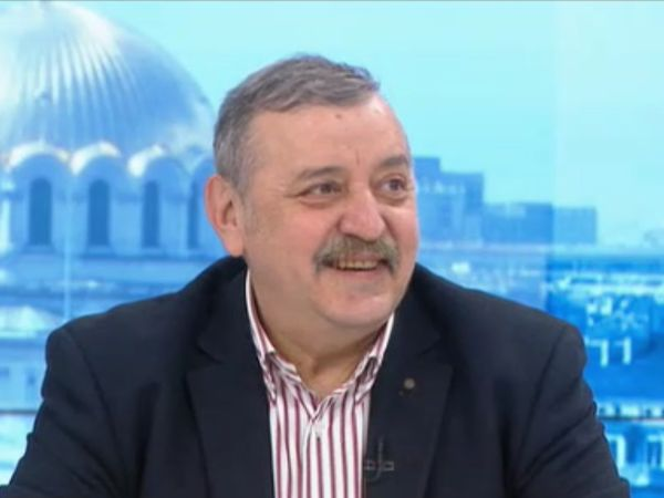 Проф. Тодор Кантарджиев: В следващите години COVID няма да има пандемичен характер