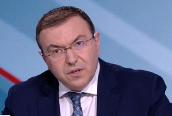 Проф. Ангелов: Няма връзка между ваксинацията и смъртта на 57-годишната жена в Пловдив