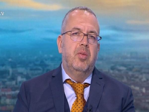 Проф. Иван Костов: Бременните със съмнение за COVID да не отлагат търсенето на медицинска помощ