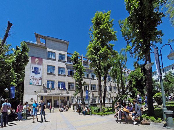 МУ Варна обяви нови дати за предварителните изпити