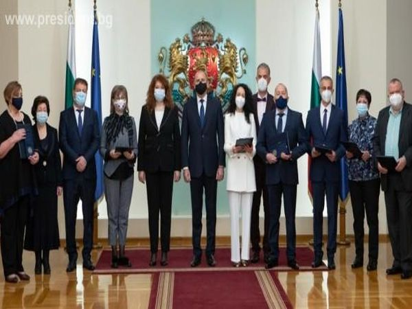 Президентът Радев: Дължим признателност на българските медици