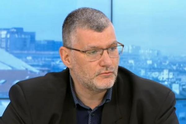 Проф. Момеков: Честотата на нежелани реакции при ваксината на Janssen е едно на милион