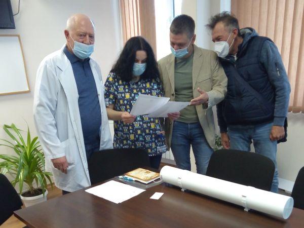УМБАЛ Бургас получи дарение от 10 лампи за безопасна дезинфекция на въздуха