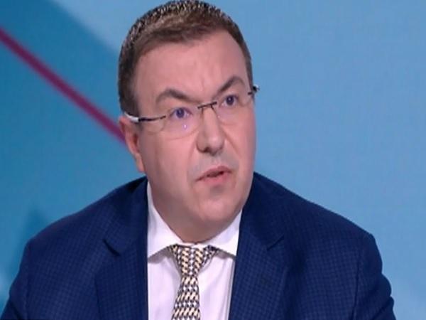 Проф. Ангелов за конкурсите в болниците: Който се опитва да политизира здравеопазването, свири на много тънка струна