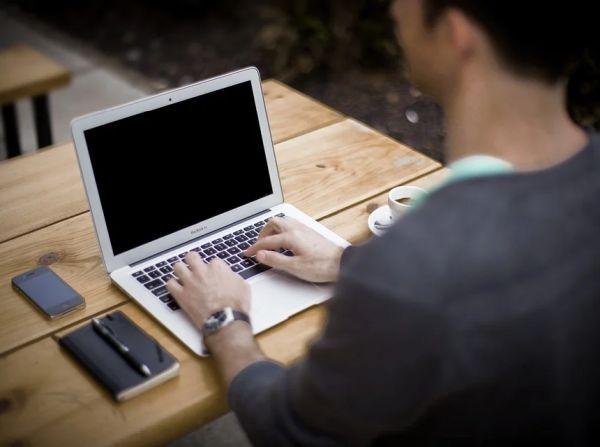 НЗОК предупреждава за фалшиви имейл съобщения от нейно име