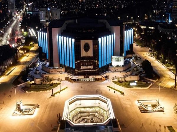 НДК грейва в синьо в Световния ден на пулмоналната хипертония