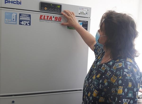 В УМБАЛ Бургас пристигна фризерът за замразена кръвна плазма