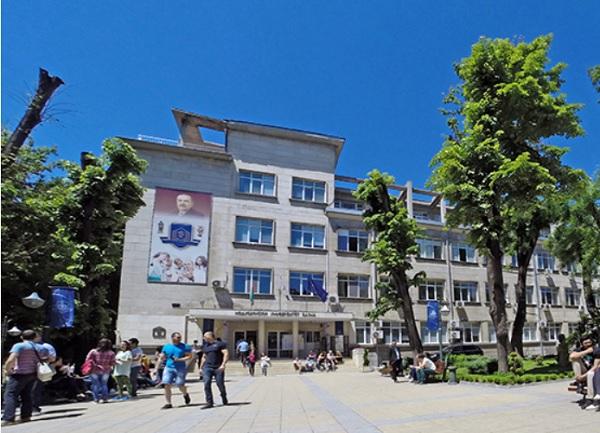 МУ-Варна осигурява възможност за ваксиниране срещу COVID на студентите си и близките им